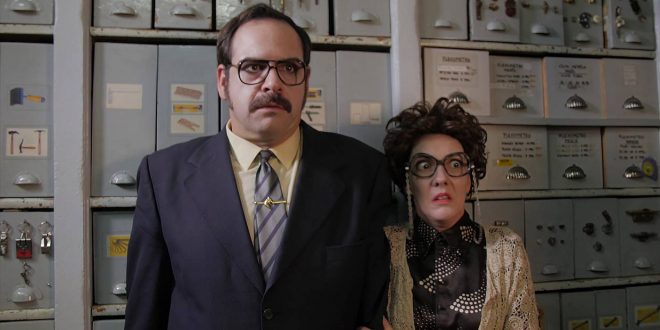 Los actores y músicos Jorge Usón y Carmen Barrantes protagonizan 'Con lo bien que estábamos (Ferretería Esteban).