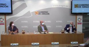 Sara Fernández, Víctor Lucea y Gabriel Sopeña durante el acto de presentación de la gala homenaje de Joaquín Carbonell