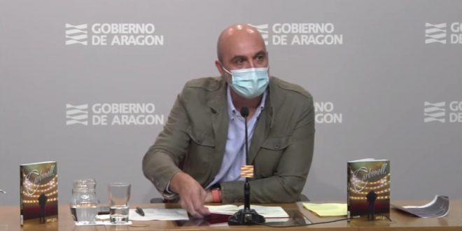 Victor Lucea, Director General de Cultura del Gobierno de Aragón, en la presentación de la gala homenaje a Joaquín Carbonell
